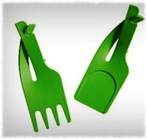 Picture of Credit Card Cutlery fork and spoon made by Inekehans that are green and wallet sized.